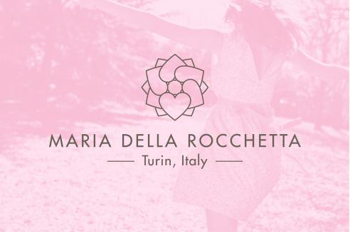001   Maria della rocchetta logo * Comunicazione = OfficineMultiplo
