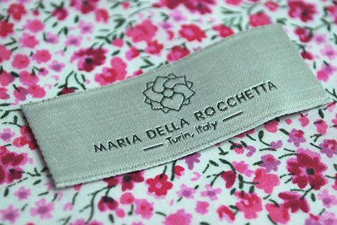 006   MaOffiria della rocchetta etichetta vestito * Comunicazione = offcineMultiplo