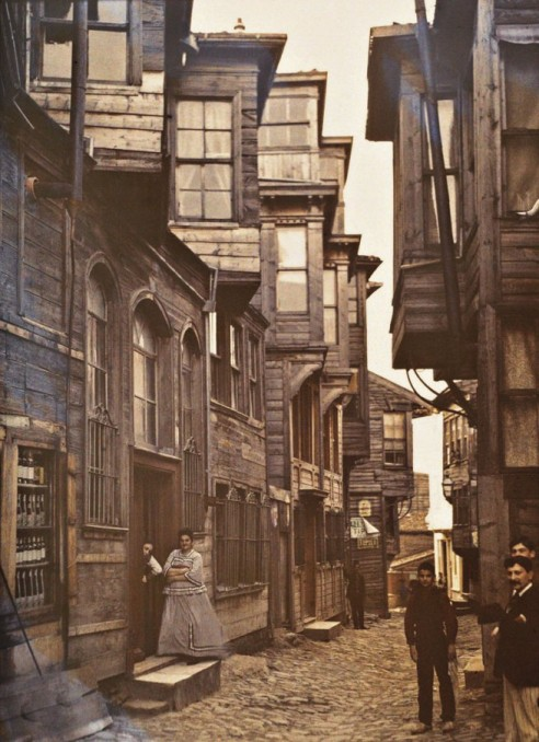 1914_06_quartier_pera-web