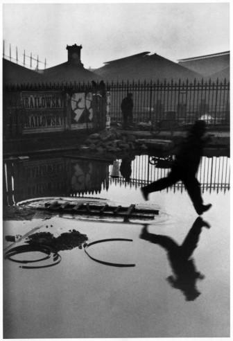 henri-cartier-bresson-behind-the-gare-saint-lazare-paris-1932-web